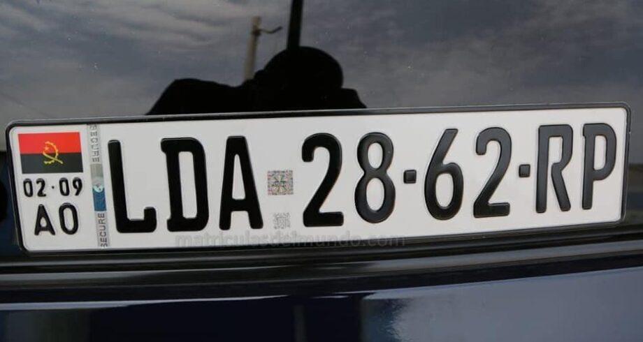 Nueva matrícula de Angola